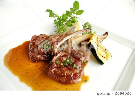 ラム肉 メインディッシュ 肉料理...