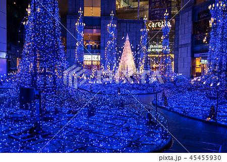 冬 町並み 綺麗 夜の写真素材 Pixta
